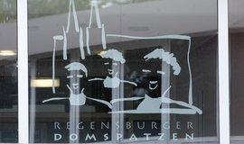 Logo chlapeckého sboru Řezenští chrámoví vrabci (Regensburger Domspatzen)