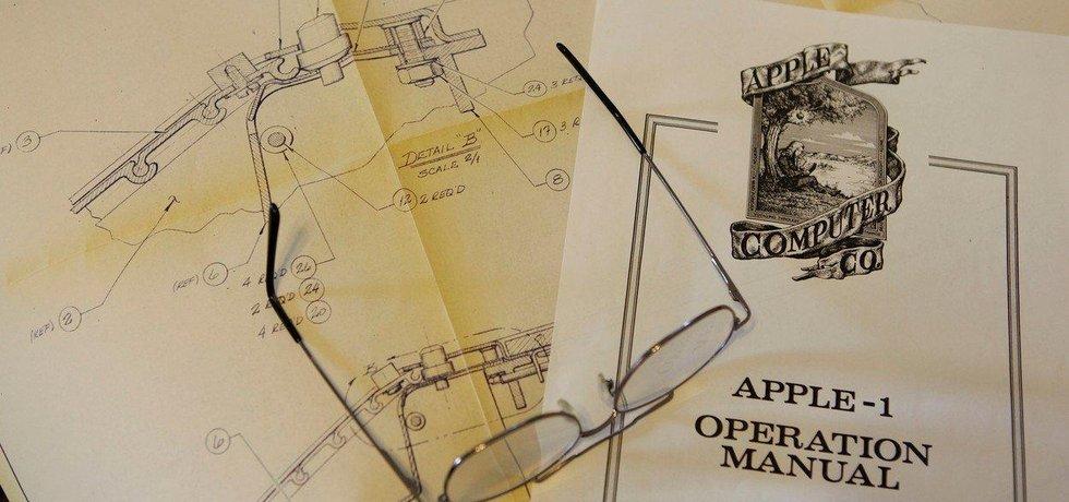 První manuál společnosti Apple, který sepsal Ronald Wayne