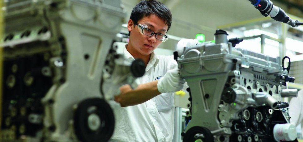 Tuzemské automobilky hledají zaměstnance až v Asii, ilustrační foto