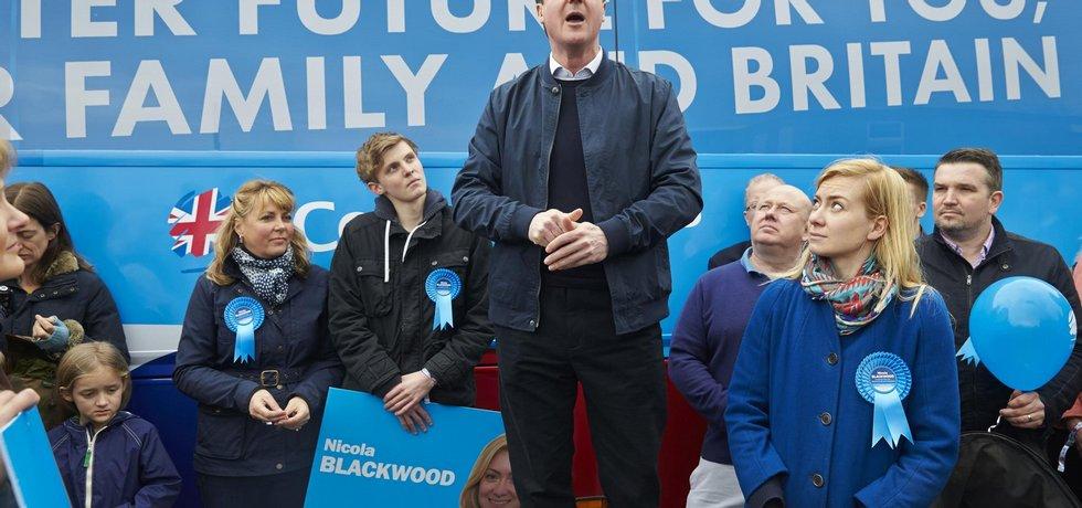 Současný britský premiér David Cameron