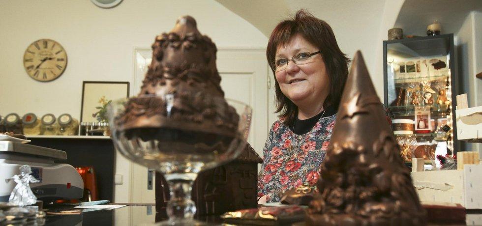 Klasika z časů Babiček. Lenka Glosová chce oživit podle svého tradiční čokoládové pochoutky, jako jsou Ledové kaštany nebo Kofila.