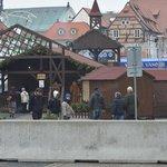 Vánoční trhy chránily v některých českých městech betonové zátarasy.