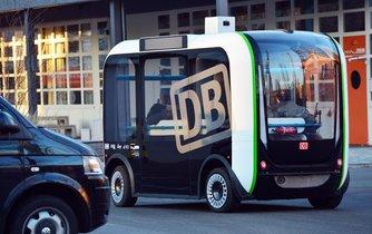 V Berlíně jezdí první autonomní autobus
