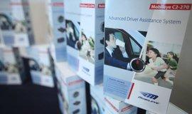 Prezentace izraelské firmy Mobileye během tiskové konference v Hong Kongu (snímek z roku 2013)
