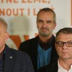 Smutné obličeje vedení ČSSD