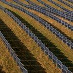 Produkce elektřiny je vyšší než u běžných solárních parků orientovaných na jih.