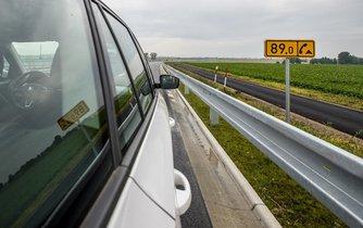 Motoristé mohou od pondělí 21. srpna jet po D11 od Prahy až do Hradce Králové