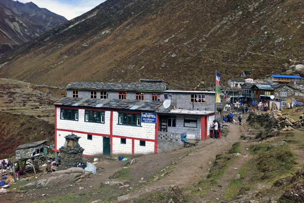 Vesnice Samdo v den  příchodu