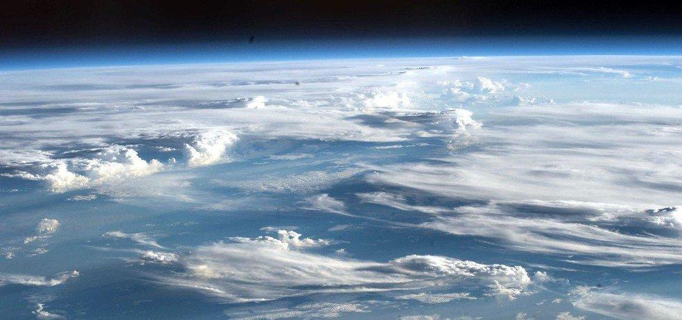 Pohled na planetu Zemi z Mezinárodní vesmírné stanice ISS