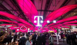 Magenta je naše: německý telekom se soudí o barvu s americkou pojišťovnou