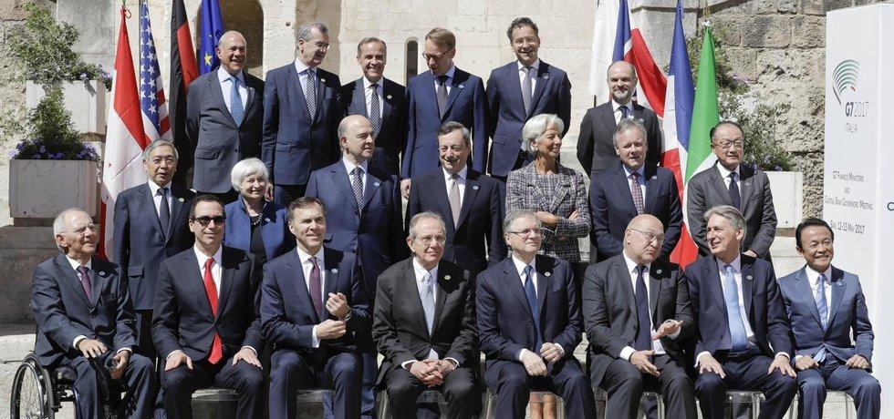 Zástupci zemí G7 před jednáním v italském Bari