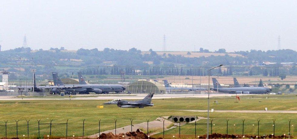 Turecká letecká základna Incirlik