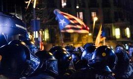 Policie zasahuje na demonstraci v Barceloně