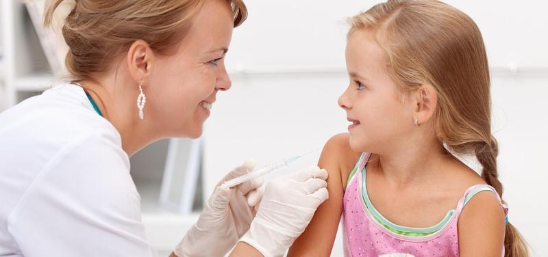 *dítě, pediatrie, injekce, vakcinace, očkování