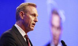 Shanahan se ministrem obrany USA nestane, nahradí ho náměstek Mark Esper
