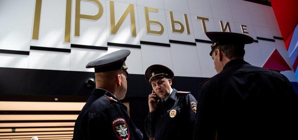 Německo se bojí ruské špionáže. Ministerstvo vnitra Severního Porýní-Vestfálska radí státním úředníkům, aby v případě cesty na fotbalový šampionát do Ruska nechali své mobilní telefony doma.