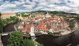Mezi nejnavštěvovanější místa patří Český Krumlov, kam loni zavítalo na dva miliony turistů