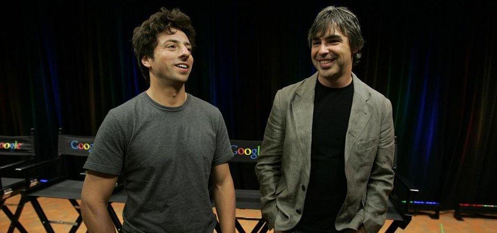 Sergey Brin (vlevo) a Larry Page - archivní foto