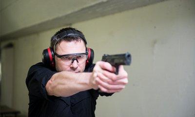 Předkladatelé zdůrazňují, že novela nevybízí k hromadnému ozbrojování občanů a ani nemá vést ke zvýšení počtu případů reálného použití zbraně.
