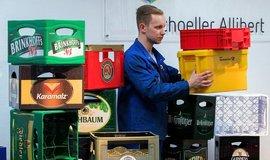 Plastové přepravky na pivo, ilustrační foto