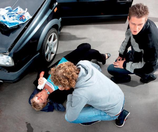 Ilustrační foto; nehoda, první pomoc