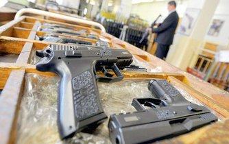 Pistole od České zbrojovky z Uherského Brodu, ilustrační foto