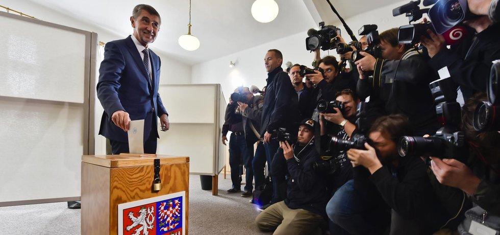 Andrej Babiš odevzdal svůj hlas v Průhonicích u Prahy