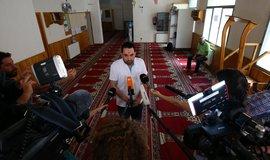 Zástupce mešity, která radikalizovaného imáma Sátího vyloučila a upozornila na něj policii