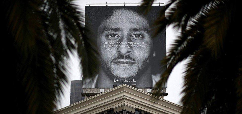 Reklamní billboard Nike s Colinem Kaepernickem v San Francisku