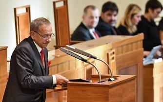 Předsedou Senátu byl zvolen Jaroslav Kubera (ODS)