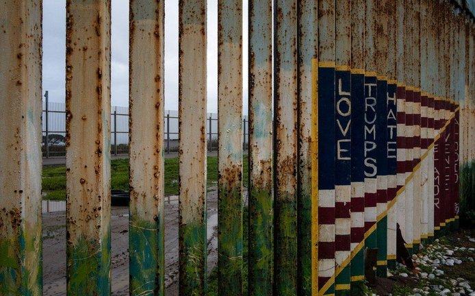 Americko-mexická hranice u města Tijuana
