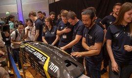 Prezentace prototypu kapsle pro hyperloop pro soutěž v roce 2019.