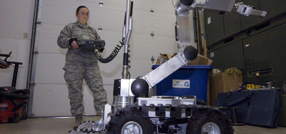 Americká armáda se pokouší řídit bojové roboty mozkovými vlnami