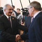 Libyjský generál Chalífa Haftar na setkání s ruským ministrem zahraničí Sergejem Lavrovem v Kremlu