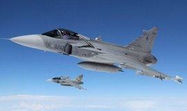 Jas 39 Gripen české armády se zařízením Litening 4i v podvěsu