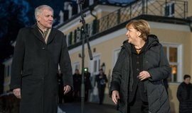 Horst Seehofer, Angela Merkelová