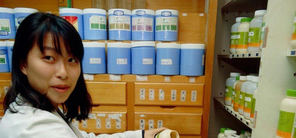 Medicína jako na západě? Čínské firmy během klinických studií a testování léků šidily ve velkém.