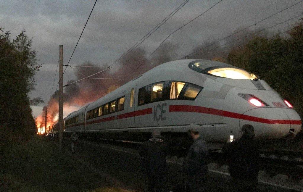 Požár vlaku ICE 3 nedaleko města Montabaur omezil provoz na vysokorychlostní trati.