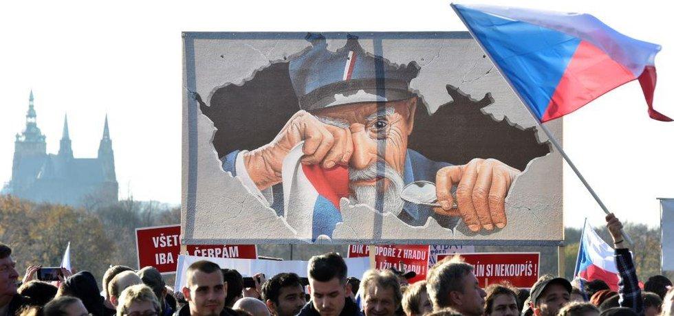 Na Letenské pláni se 16 listopadu 2019 sešly desetitisíce lidí na demonstraci proti Andreji Babišovi.