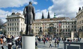 Tomáš Garrigue Masaryk hledí k Pražskému hradu
