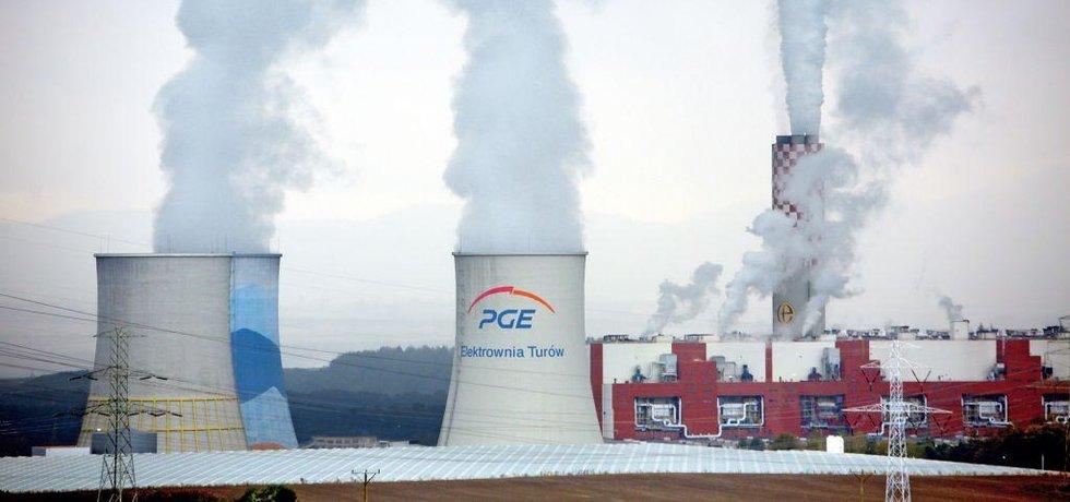 Polská uhelná elektrárna Turów