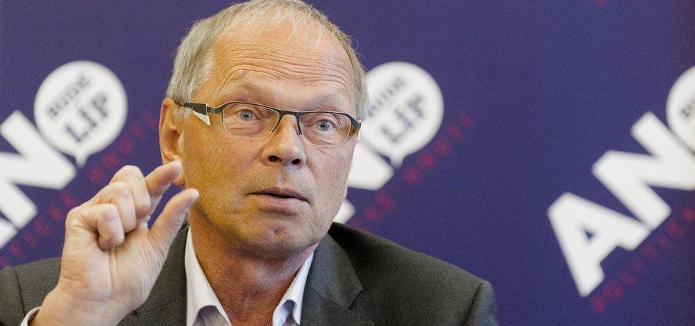 Ministr financí Ivan Pilný z hnutí ANO