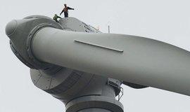 Servis větrné elektrárny francouzského Alstomu.