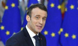 Macronova reakce na žluté vesty: navrhuje nižší daň z příjmu a důchodovou reformu