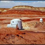 V americkém Utahu funguje Mars Society Desert Research Station, která má simulovat pobyt na rudé planetě