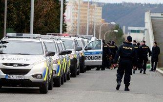 Odjezd policistů do Makedonie, ilustrační foto