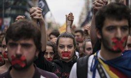 Separatisté na protestním pochodu v Barceloně