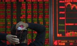 Obavy z globální recese jsou nejsilnější za deset let. Do roka ji očekává 38 procent investorů