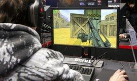 """Hra Counter-Strike má rating """"Mature"""" - pro dospělé"""