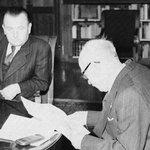 Prezident Beneš (vpravo) jedná 25. února 1948 s premiérem Gottwaldem